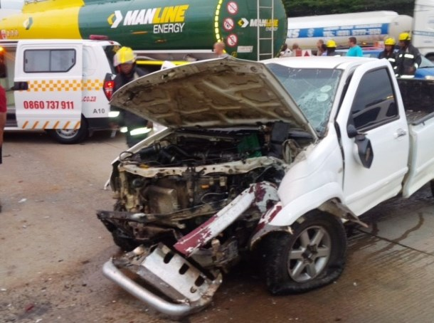 3 injured in early morning collision 2
