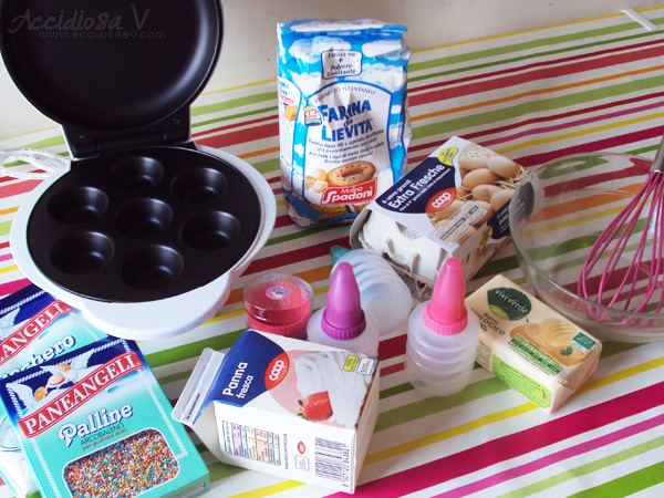 Minicupcake con frosting di crema al burro