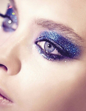 Makeup per capodanno blu e glitter