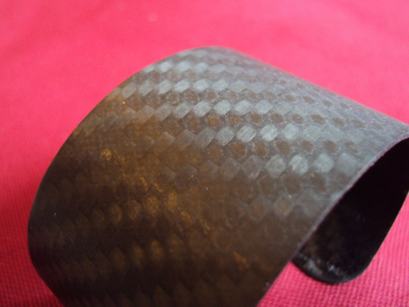Carbonmall - Bracciale in fibra di carbonio - Dettaglio trama | AccidiosaV