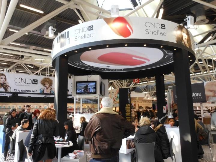 Cosmoprof Worldwide Bologna 2012 - Stand Ladybirdhouse CND | Accidiosav