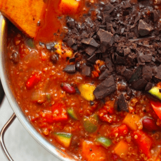 veggie quinoa chocolate chili