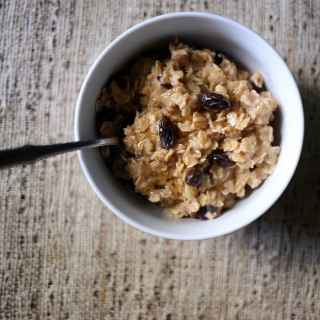 Easy Raisin Spice Oatmeal Mix