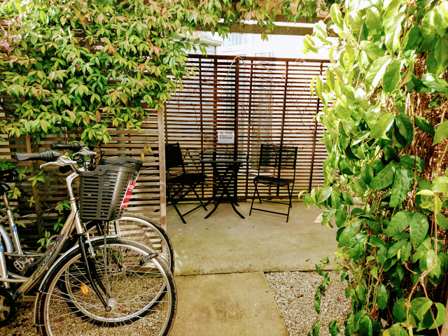 Hôtel Accostage - La Rochelle - Terrasse et vélo