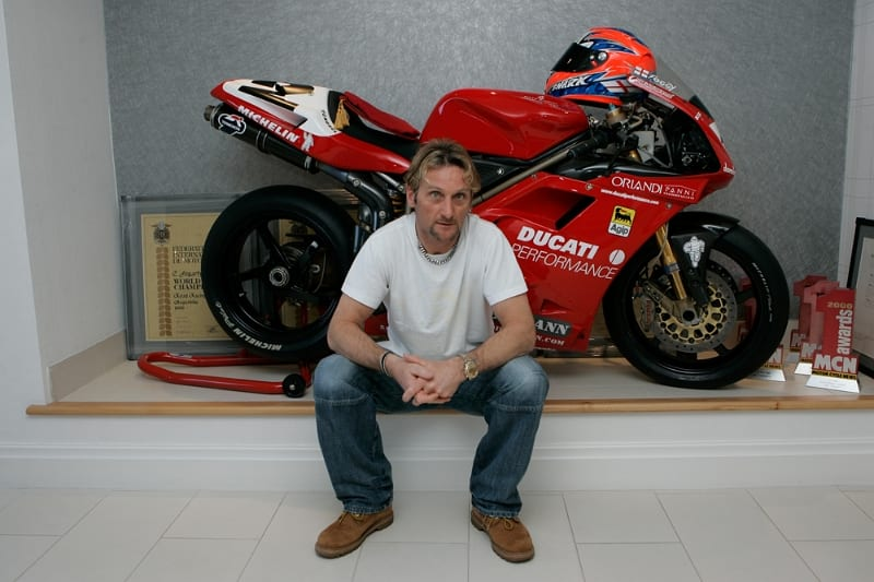carl-fogarty-large