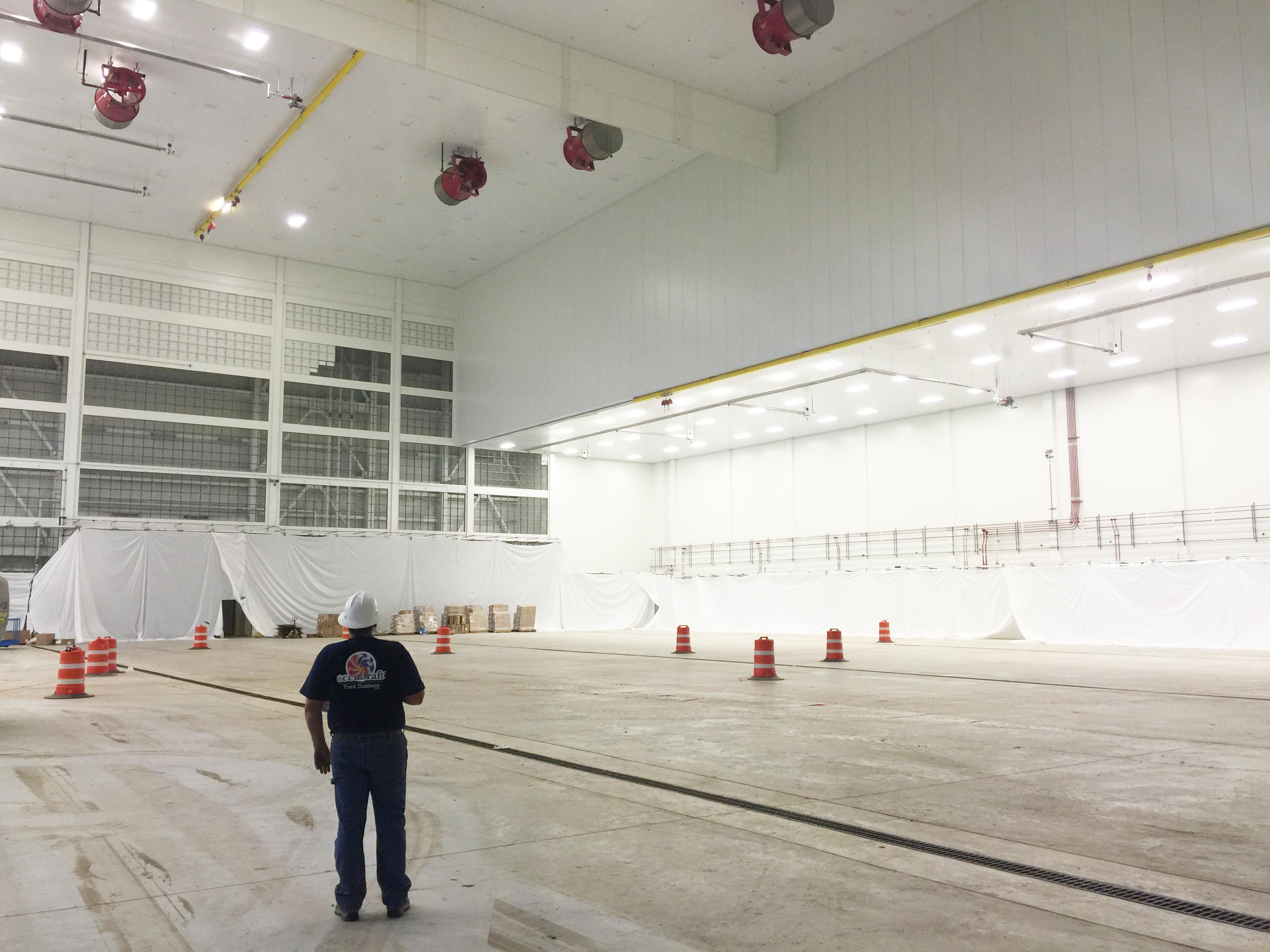 Aircraft hanger insert paint booth