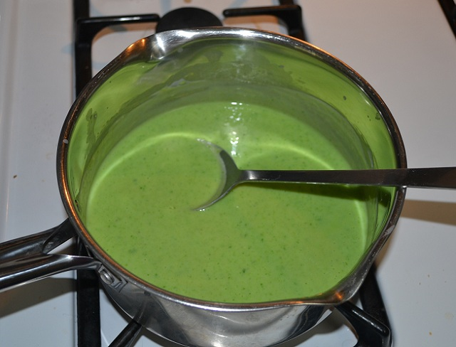 cheese sauce spinach