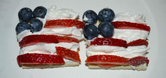 Fourth of July Cracker Snacks Recipe