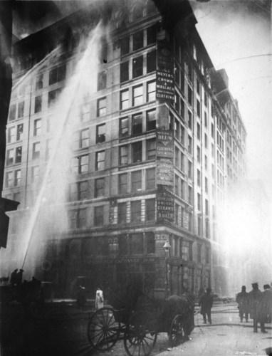 Incêndio na fábrica da Triangle Shirtwais- 25 de março de 1911-ACEGIS