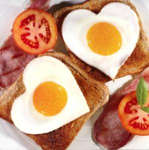 Tostadas con Huevos Fritos en Aceite de Coco