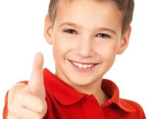 Los niños sanos toman Aceite de Coco Virgen