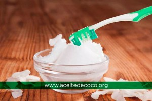 Higiene Bucal con Aceite de Coco