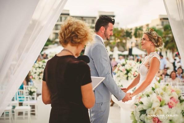 cerimonia-de-casamento-na-praia-thaeme-e-fabio