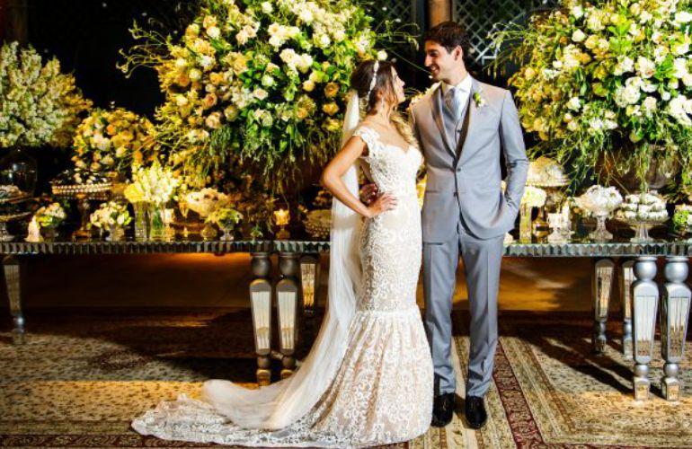 Os noivos Thomaz Bellucci e Gabriela Cabrini