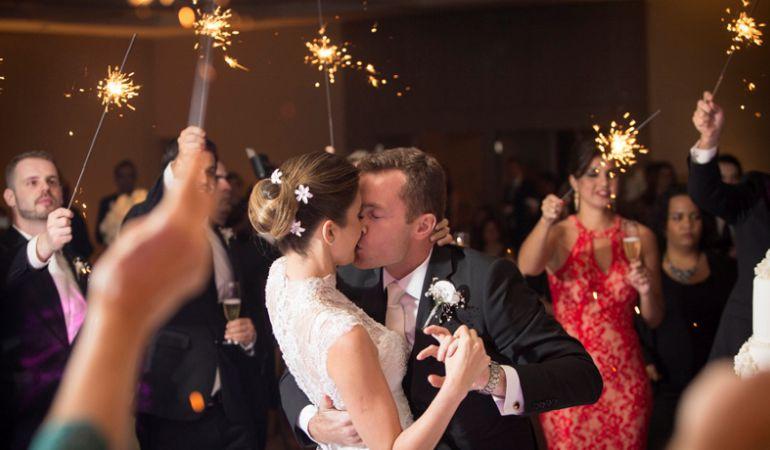 Saída dos noivos Casamento