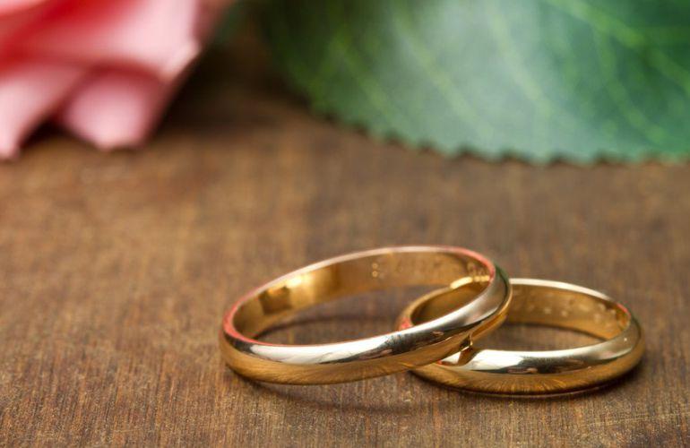 Aliança de casamento básica e clássica