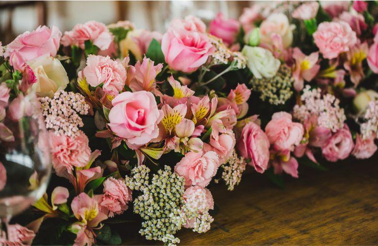 Flores na Decoração de Casamento Rosa