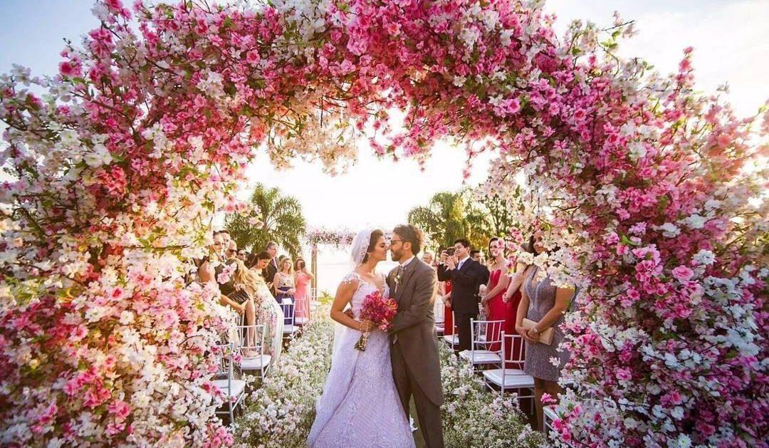 Arco de flores na decoração   Foto: Fernando Monteiro