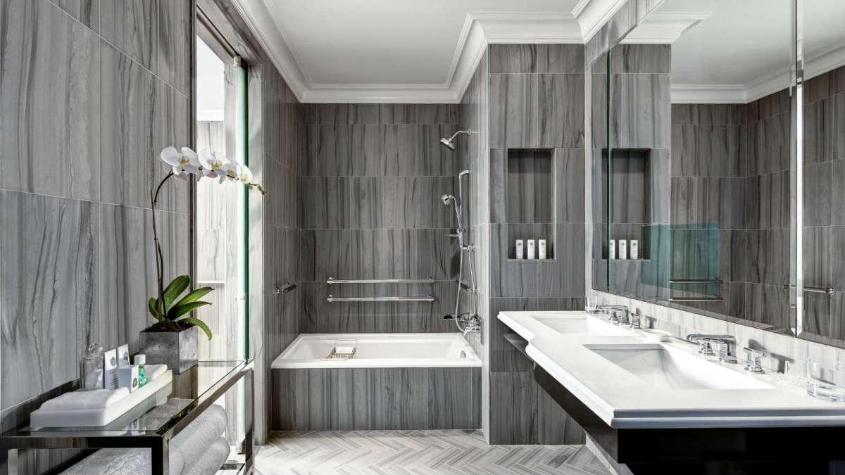 Bentley Suite Bathromm - St Regis New York