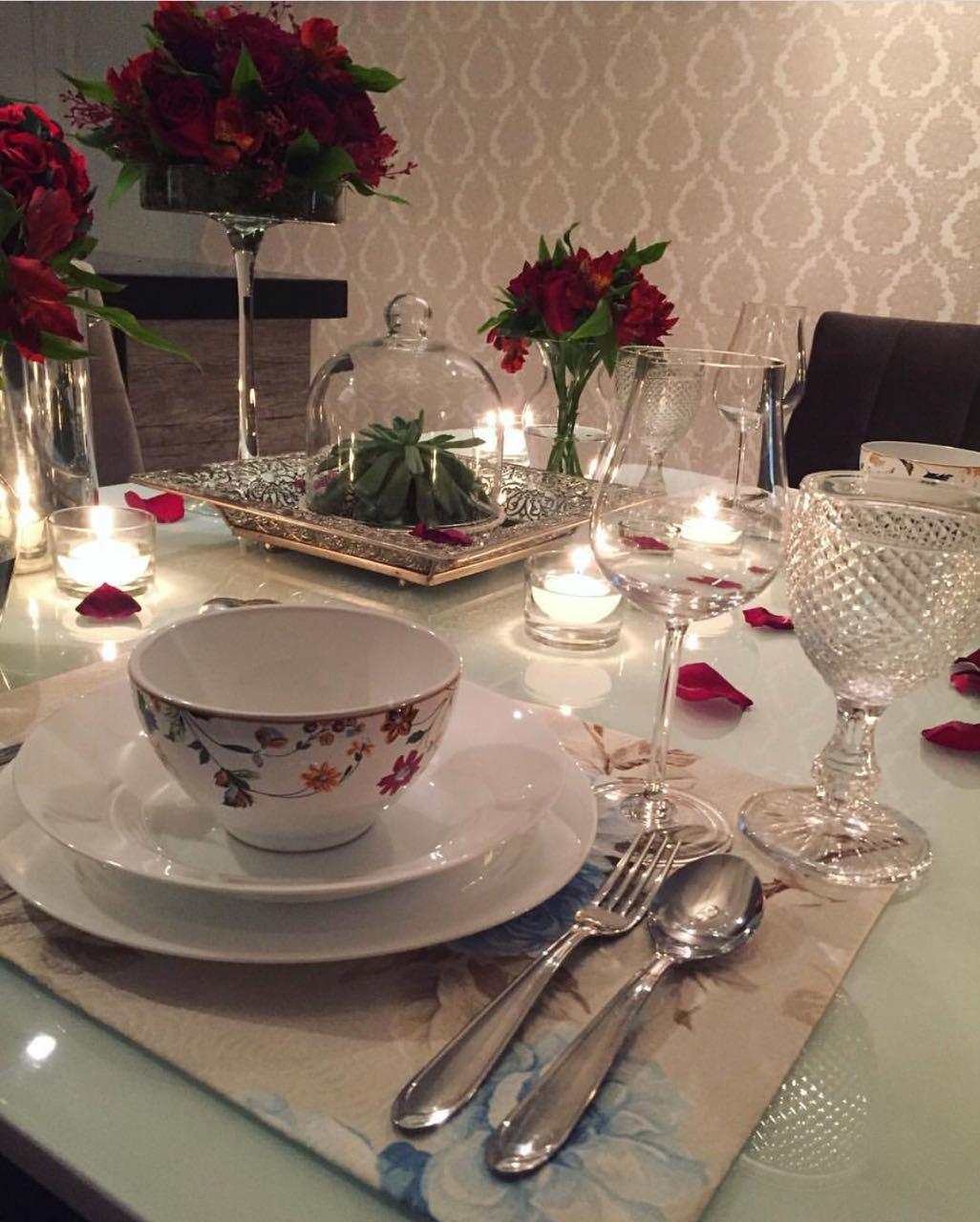 Mesa de jantar do dia dos namorados
