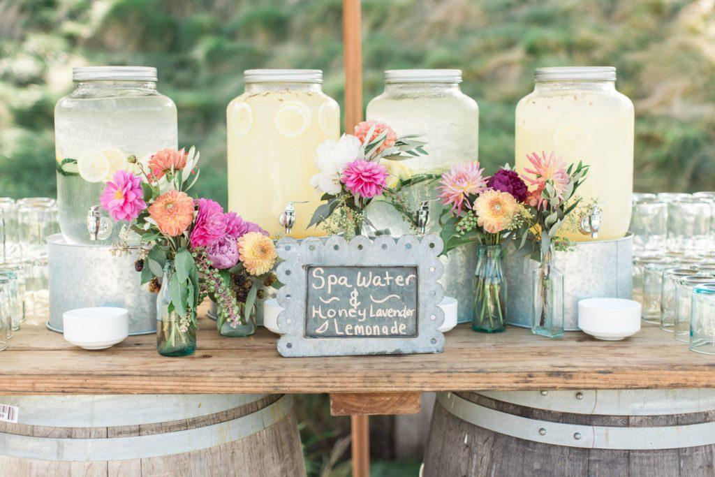 Água aromatizada para casamento no verão