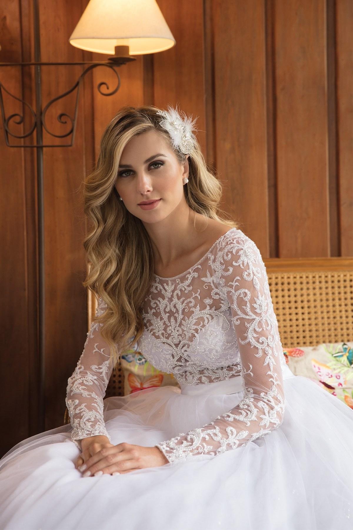 Vestido de noiva com tule e bordado | Nova noiva