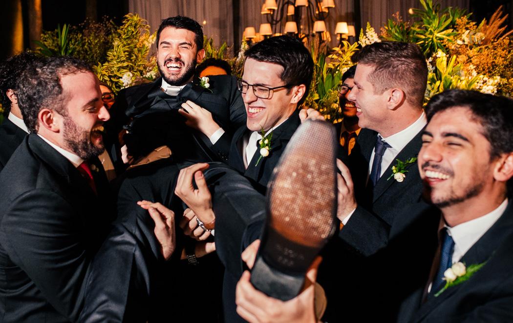 Trajes masculinos para casamento moderno