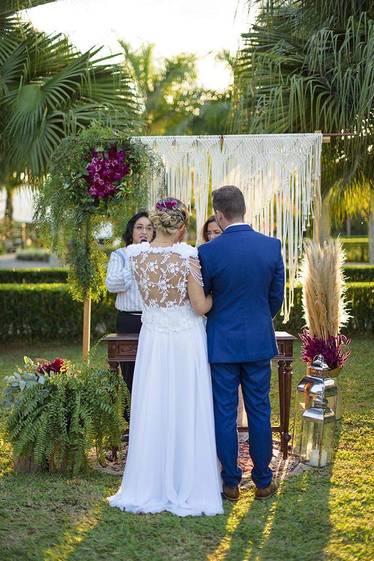Macramê na decoração de casamento   Foto Cadeira Amarela