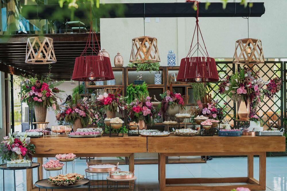Decoração industrial elegante no Alpendre Garden Hall - Decor: De Coração