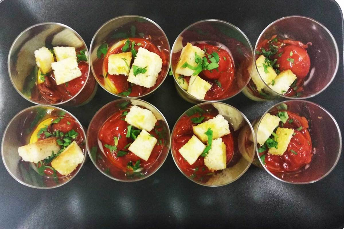 Finger food Polipetti ai pomodorini e purè di patate