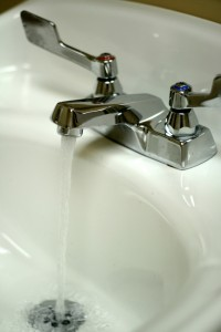 single handled faucet with a double handle