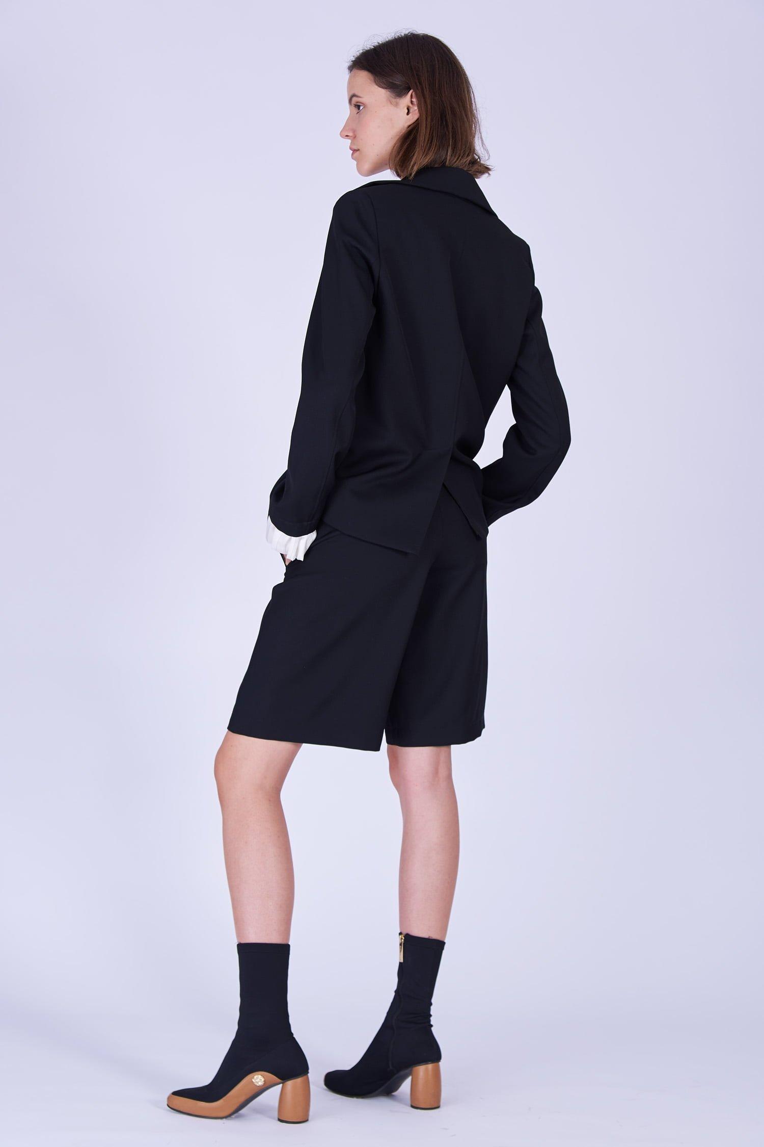 Acephala Fw19 20 Black Jacket Black Shorts Wool Czarna Kamizelka Czarne Szorty Welna Back 1