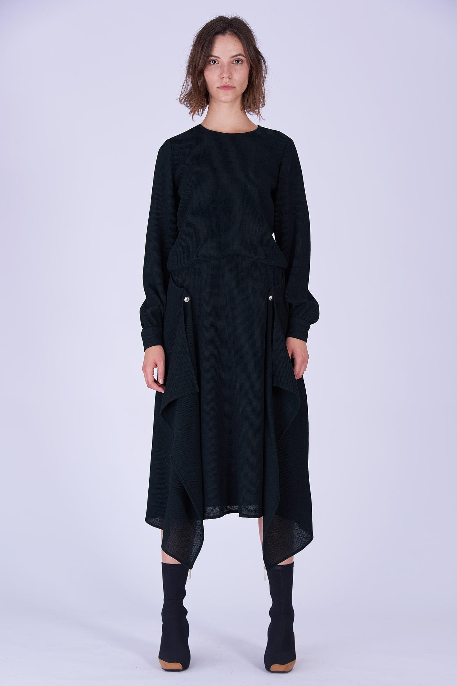 Acephala Fw19 20 Black Midi Draped Woolen Dress Czarna Sukienka Welniana Drapowana Front 1