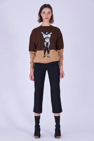 Acephala Fw19 20 Brown Beige Wool Jumper Sweter Brazowy Bezowy Black Print Trousers Czarne Spodnie Front 1