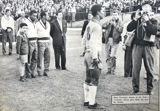 F 02 - 1962 - ouve o hino nacional apu00F3s a final - Brail 3  x Tchecoslovu00E1quia 1