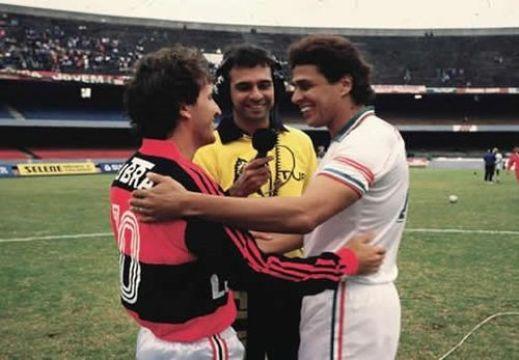Eraldo Leite entre Zico e Roberto Dinamite