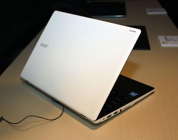 Acer Aspire One 11 (AO1-132) Cloudbook / fot. notebookitalia