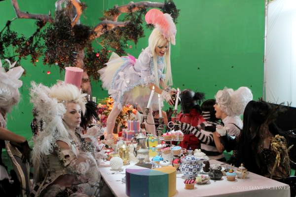 Johnny Depp Alice Wonderland Tea Party