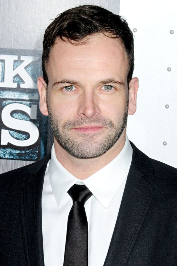 'Dexter' Adds Jonny Lee Miller to Season 5
