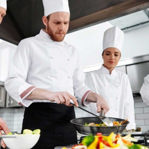 Consider These Aspects Before You Choose Your Restaurant's Employee Uniforms