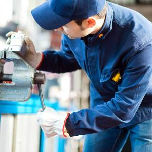 Choosing Coveralls for Your Industrial Workers