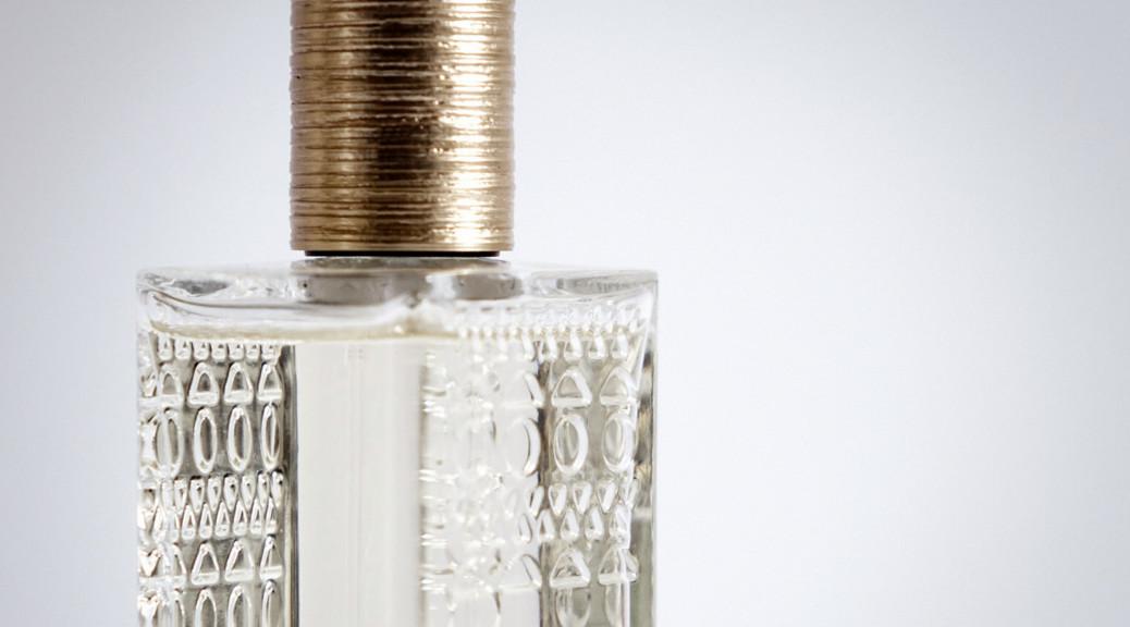 L'eau Parfum Blanche Parfums AlaïaAchat De D'azzedine PXwOkTiuZ