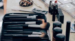 Maquillage produits indispensables