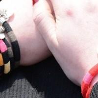 Découvrez les bijoux en tissu de marinière de Sandrine de Courcy