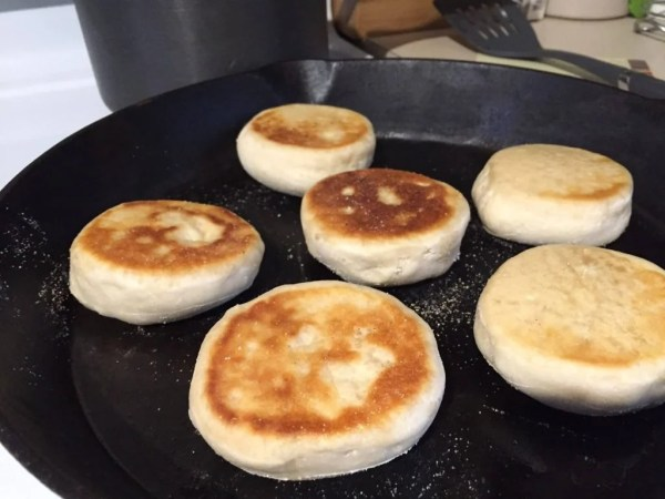 english-muffins-in-skillet