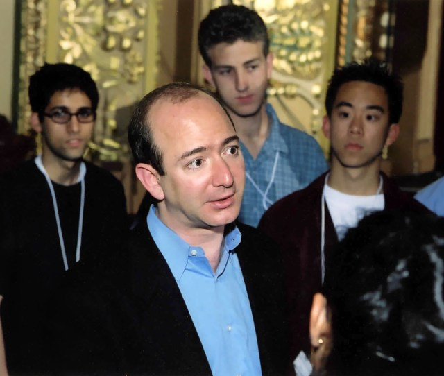 Jeff Bezos Chats With The Student Delegates At The  Academy Of Achievement Summit In San Antonio Texas