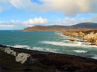 Ashleam Bay: view to Dooega