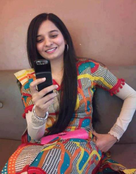 Girls Cell Numbers Pakistan