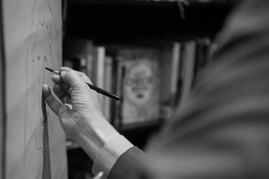 Chris Riddell's drawing hand II