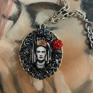 Frida's Necklace